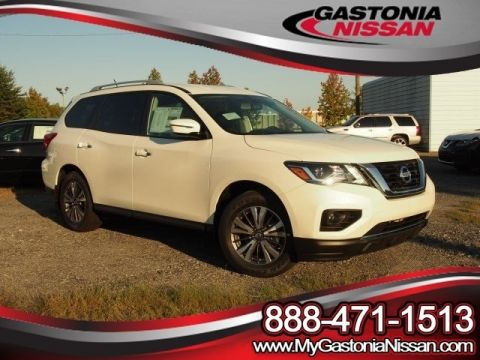 New Nissan Pathfinder SV